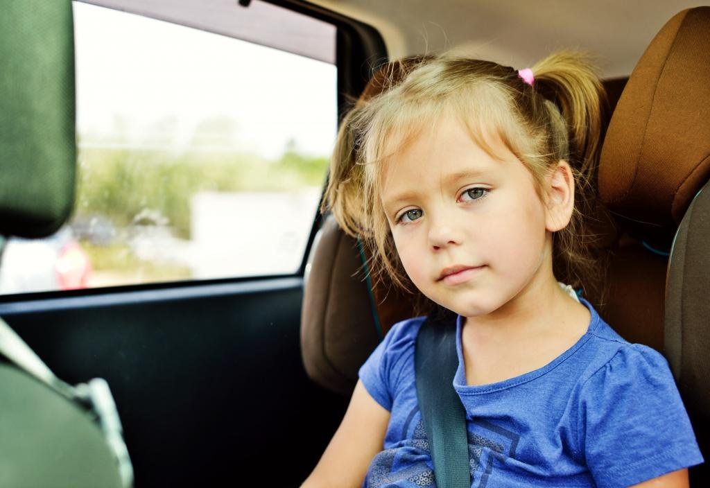 8 причин, чому не можна залишати дітей самих у зачиненому автомобілі