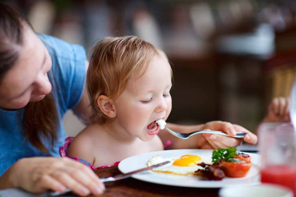 Синдром гиперопеки: насколько он опасен для ребенка