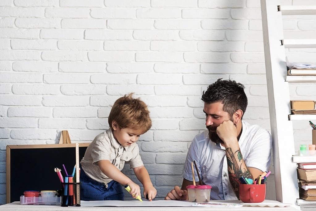 Тато зможе: Чоловік на батьківських зборах