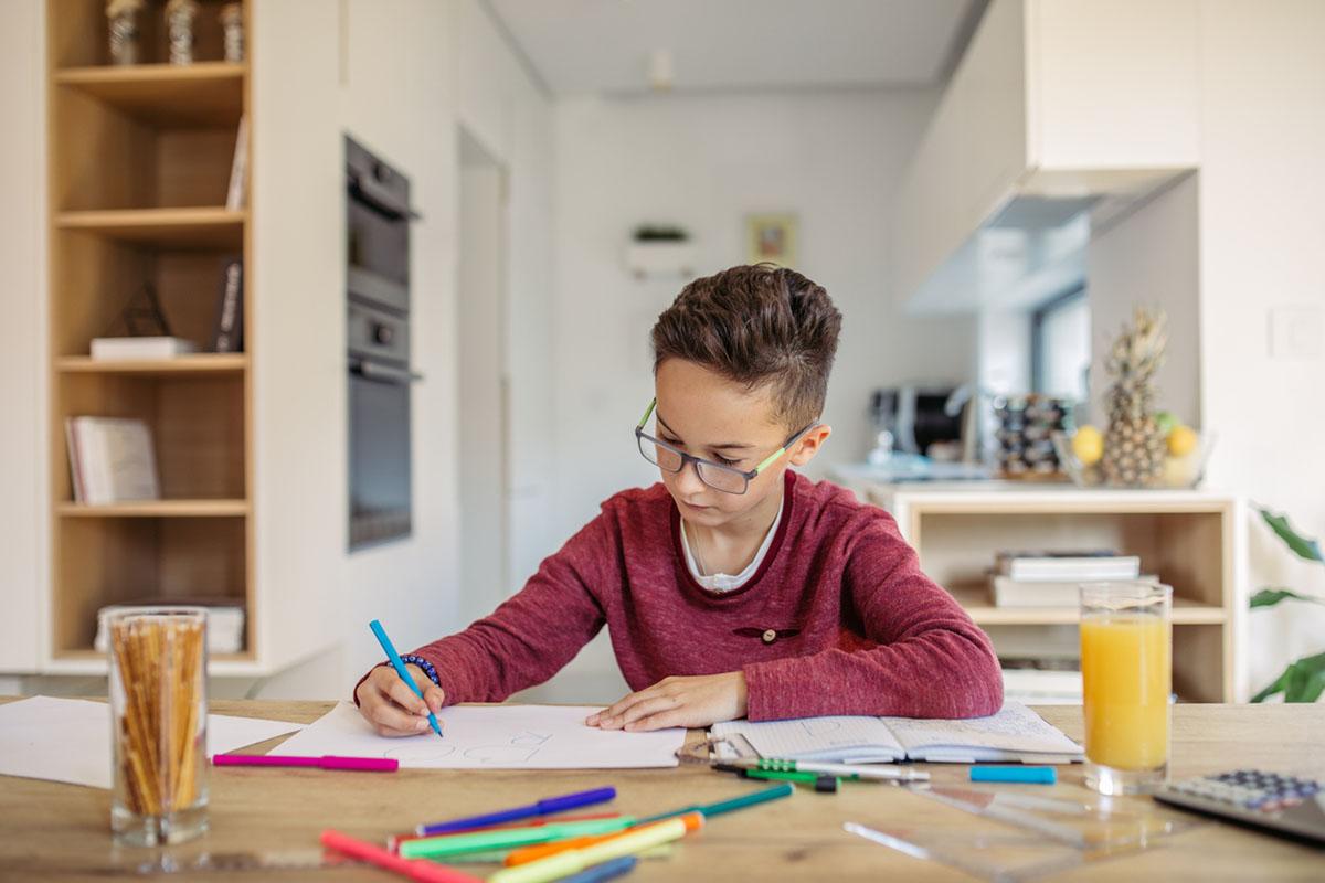 Как помогать делать уроки и не паниковать