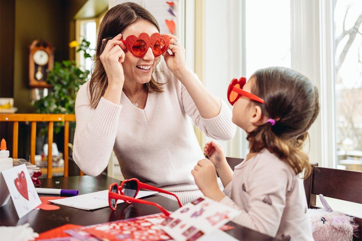 Закохані в родину: День святого Валентина з дітьми