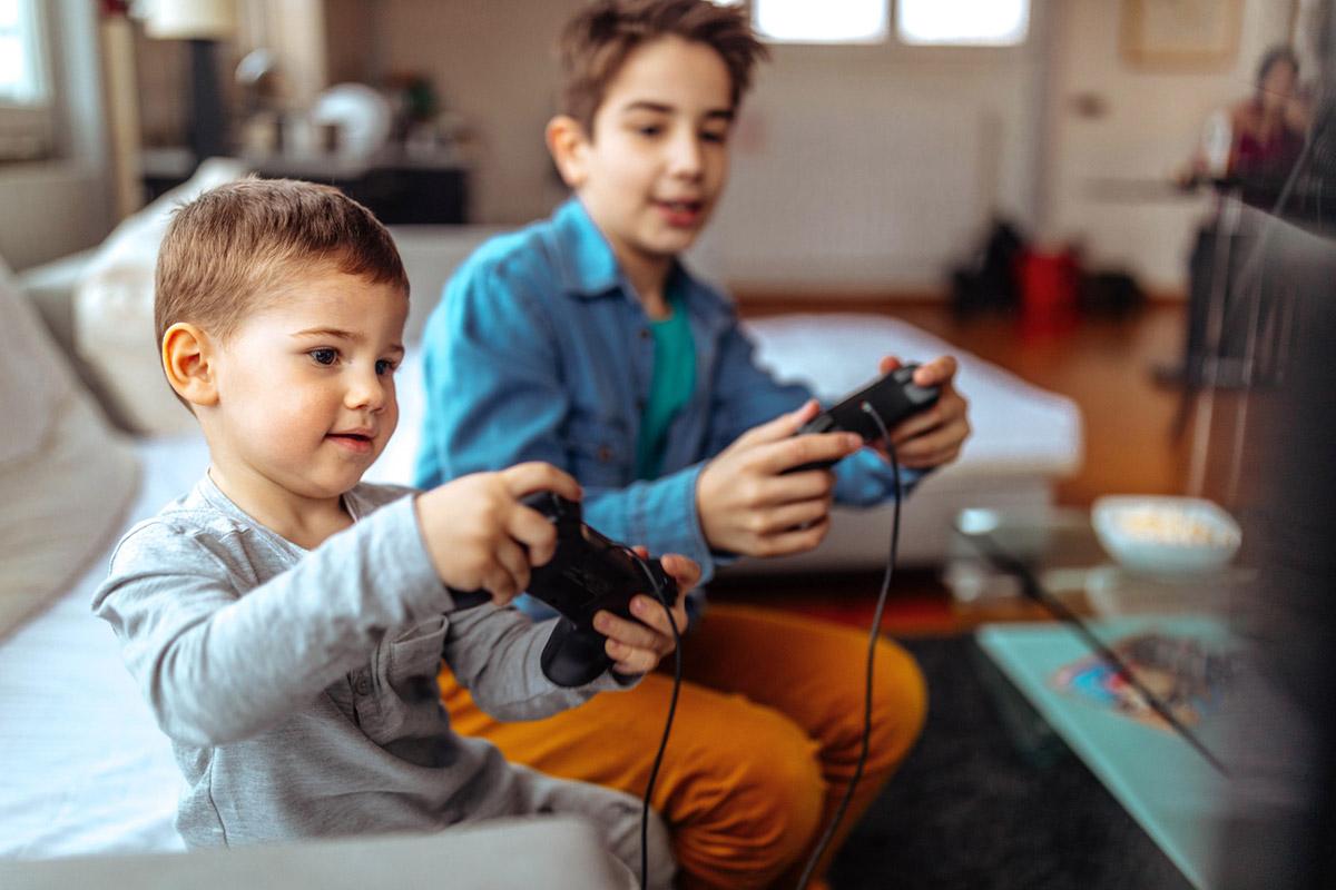 20 способов занять ребенка, когда работаешь дома